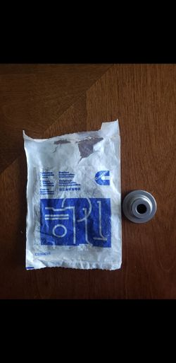 GENUINE CUMMINS PARTS.10 of #3957913.new.never use. Thumbnail