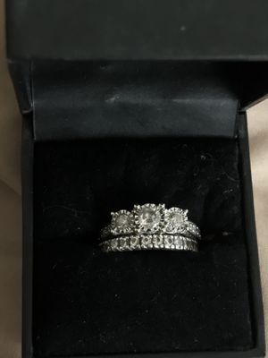 Wedding ring set for Sale in LEWIS MCCHORD, WA