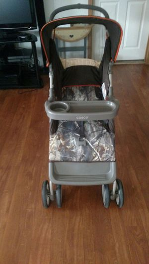 Cosco Camo Stroller. for Sale in Charlottesville, VA