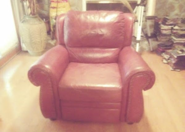 Brown leather chair for Sale in Summerville, SC - OfferUp