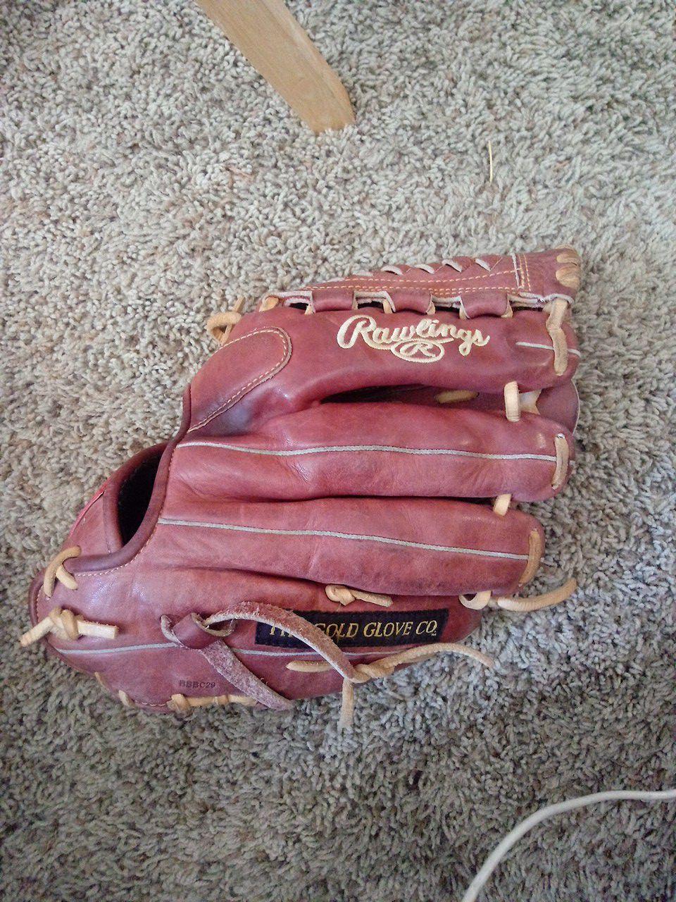 Rawlings baseball glove. Left handed