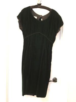 Nancy Johnson deep green velvet dress Size 12 for Sale in Apex, NC