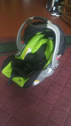 Baby Trend Car Seat For Sale In Camden NJ