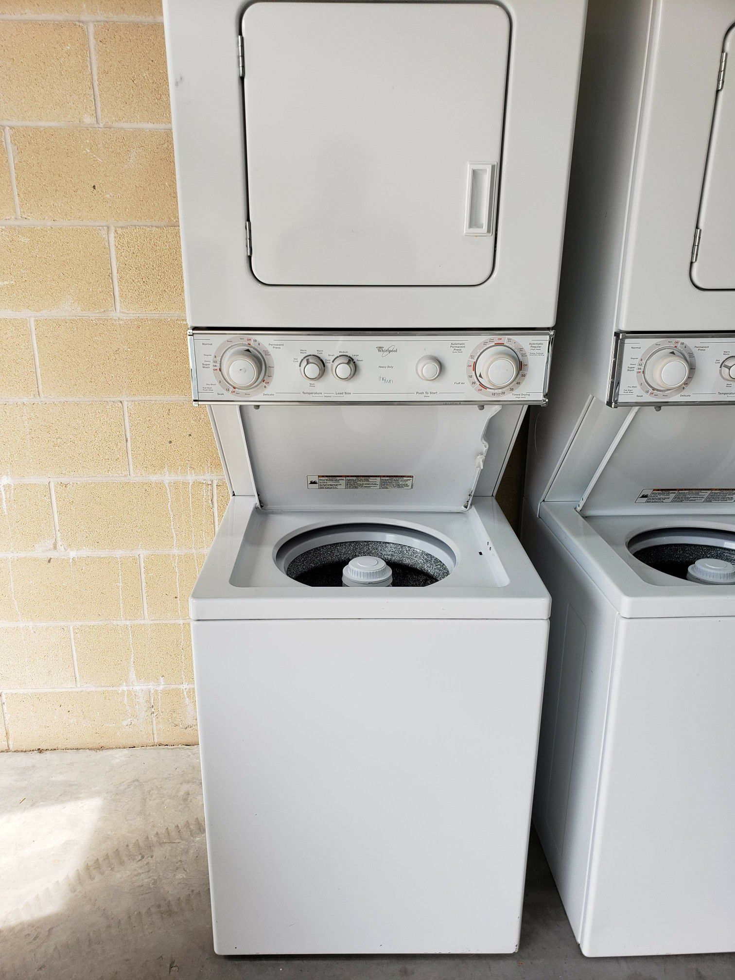 Whirlpool Stackable washer & dryer combo