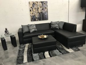Black Sectional Sofa for Sale in Hialeah, FL