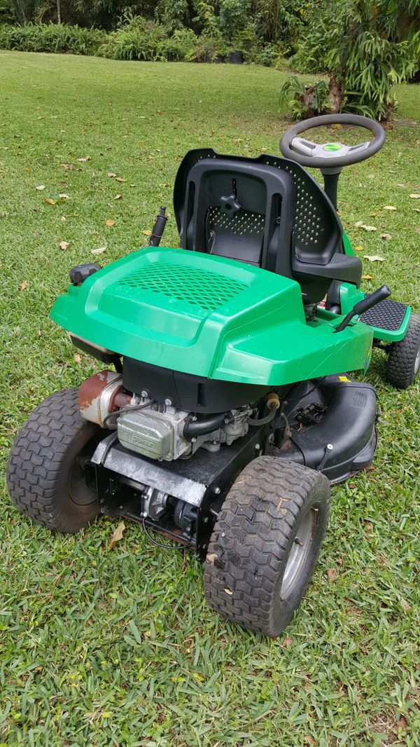 Briggs stratton 10 5 hp riding lawn mower Engine ONLY for Sale in Miami, FL  - OfferUp
