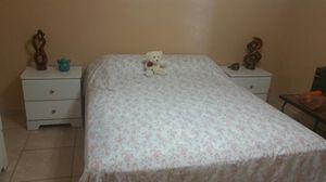 Juego de cuarto con colchon for Sale in Hialeah, FL
