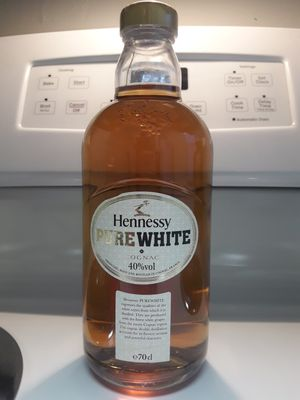 Photo PURE WHITE HENNESSY