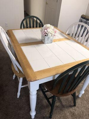 Dining room table with four chairs for Sale in Kent, WA