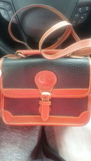 Dooney and bourke purse for Sale in Greensboro, NC