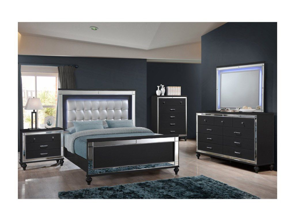 King Bed Set 4 PCS in Special Offer in Rivera Future Furniture and Home Decor