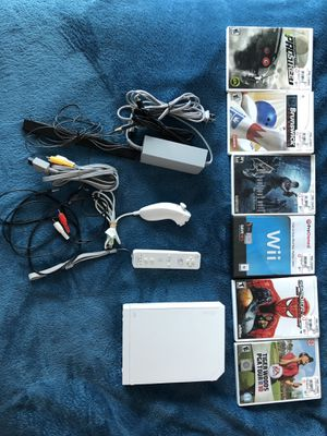 Wii Console + 6 games + controller and all cables for Sale in Miami, FL