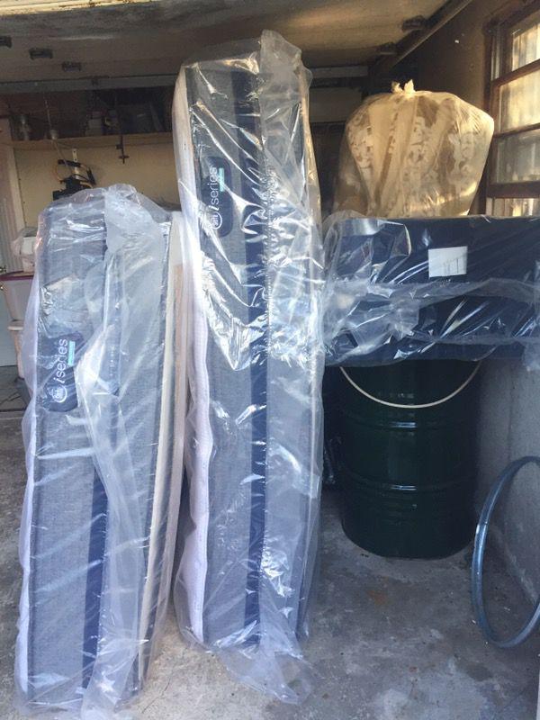 Mattress Queen Size Serta Iseries Hybrid 500 Cushion Firm