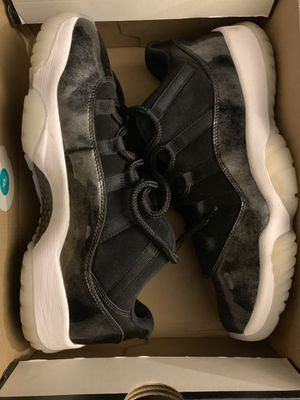 Jordan retro 11s low still like new for Sale in Washington, MD