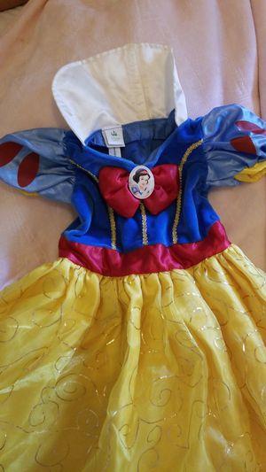 Disney brand snow white Halloween costume, 9M for Sale in Sterling, VA