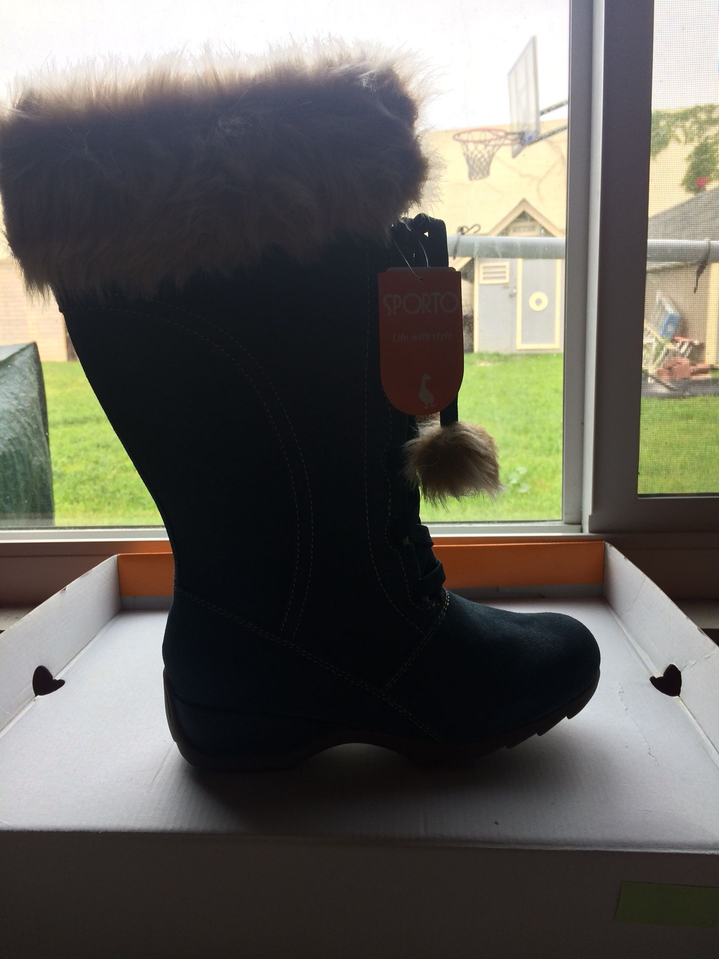 Brand new Sporto thermal boots size 7