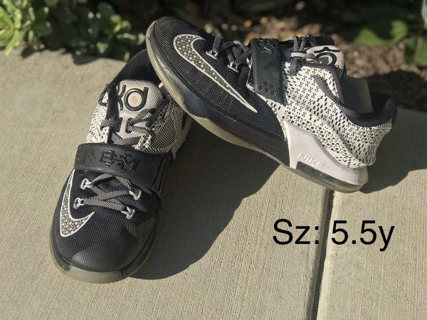 hot sale online fc25d c319d Youth Nike KD 7 Black History Month shoes sz 5.5y