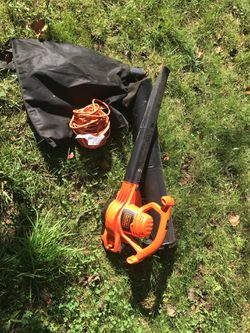 Black+Decker Blower with extension and collection bag. 12ft utility cord included Thumbnail