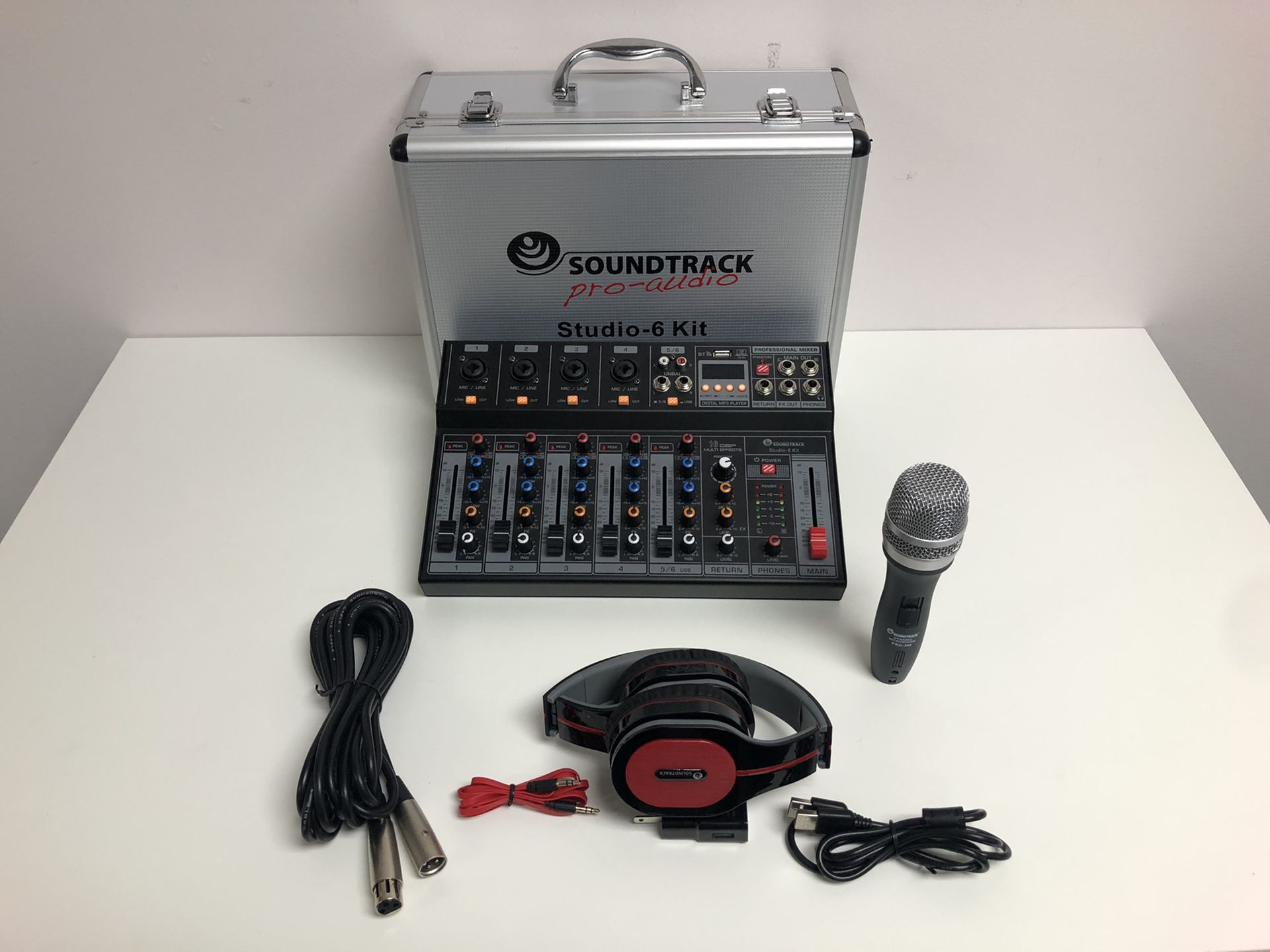 Studio 6 Kit.Mixer 6 Channels.Computers interface.Bluetooth, USB, MP3.Wired microphone.Sounds effects .