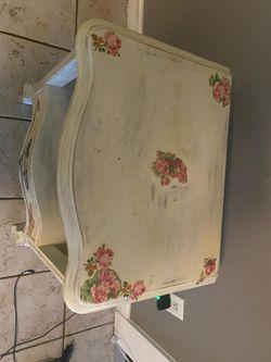 Flower table Thumbnail