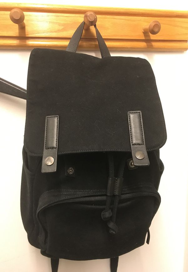 Everlane The Modern Snap Backpack in Black + Black Leather for Sale ... 0881e33545133