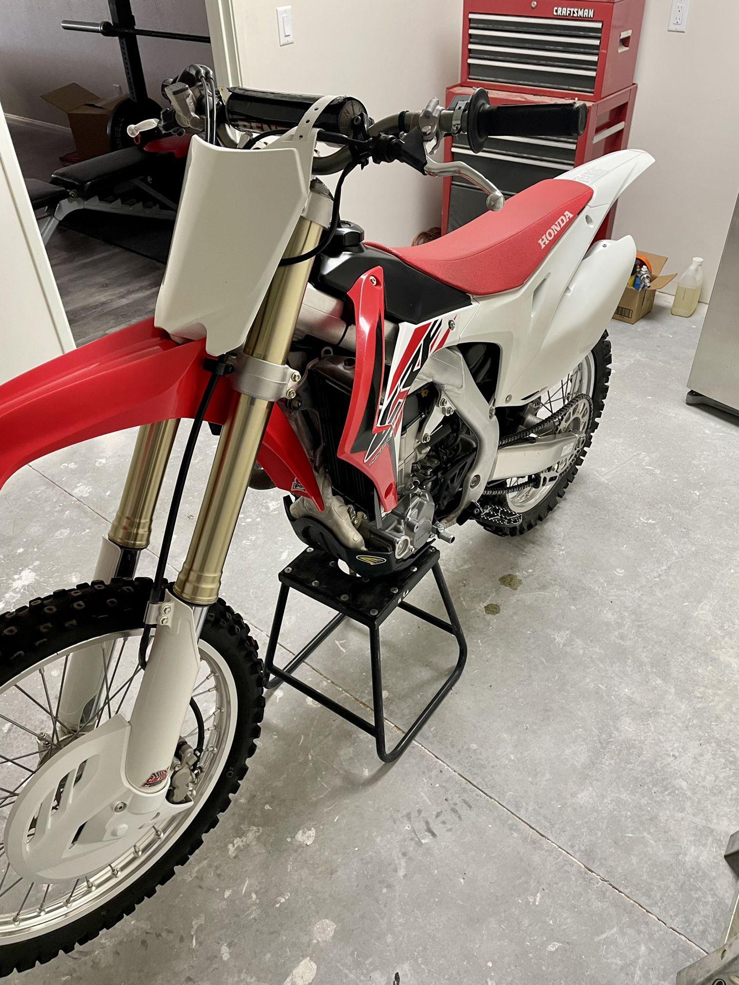 2016 Honda CRF450R Stock Dirt Bike