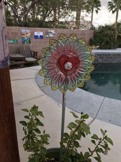 Vintage dishes garden art Thumbnail