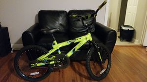 Charger Avigo Boys Bike Like New for Sale in Washington, DC