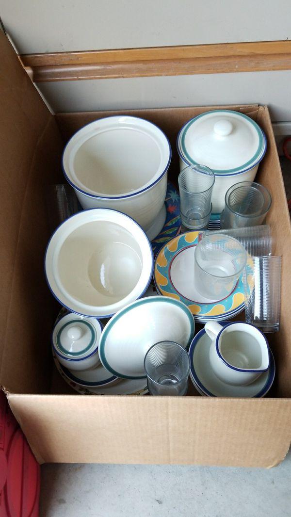 Nice Box Of Cupsbowlsplatessugar Holdersetc8 General In