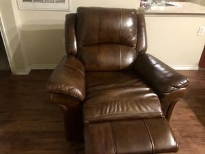 Gently used leather recliner and sofa. Both the sofa and recliner are electric. for Sale in Austin, TX