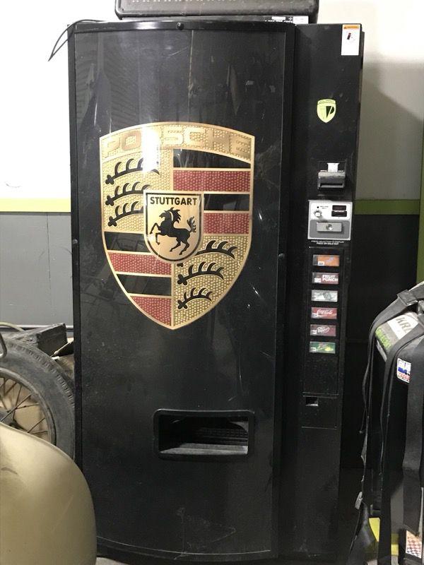 Porsche original coke/ drink machine