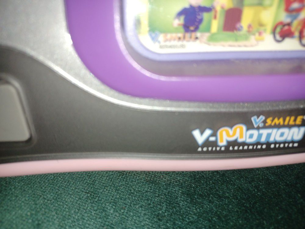 V TECH LEARNING  GAME ITS GREAT FOR  KIDS AND TEACHERS  KIDS TO LEARNING