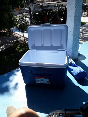Rubermaid Cooler 48 Qts. for Sale in Los Angeles, CA