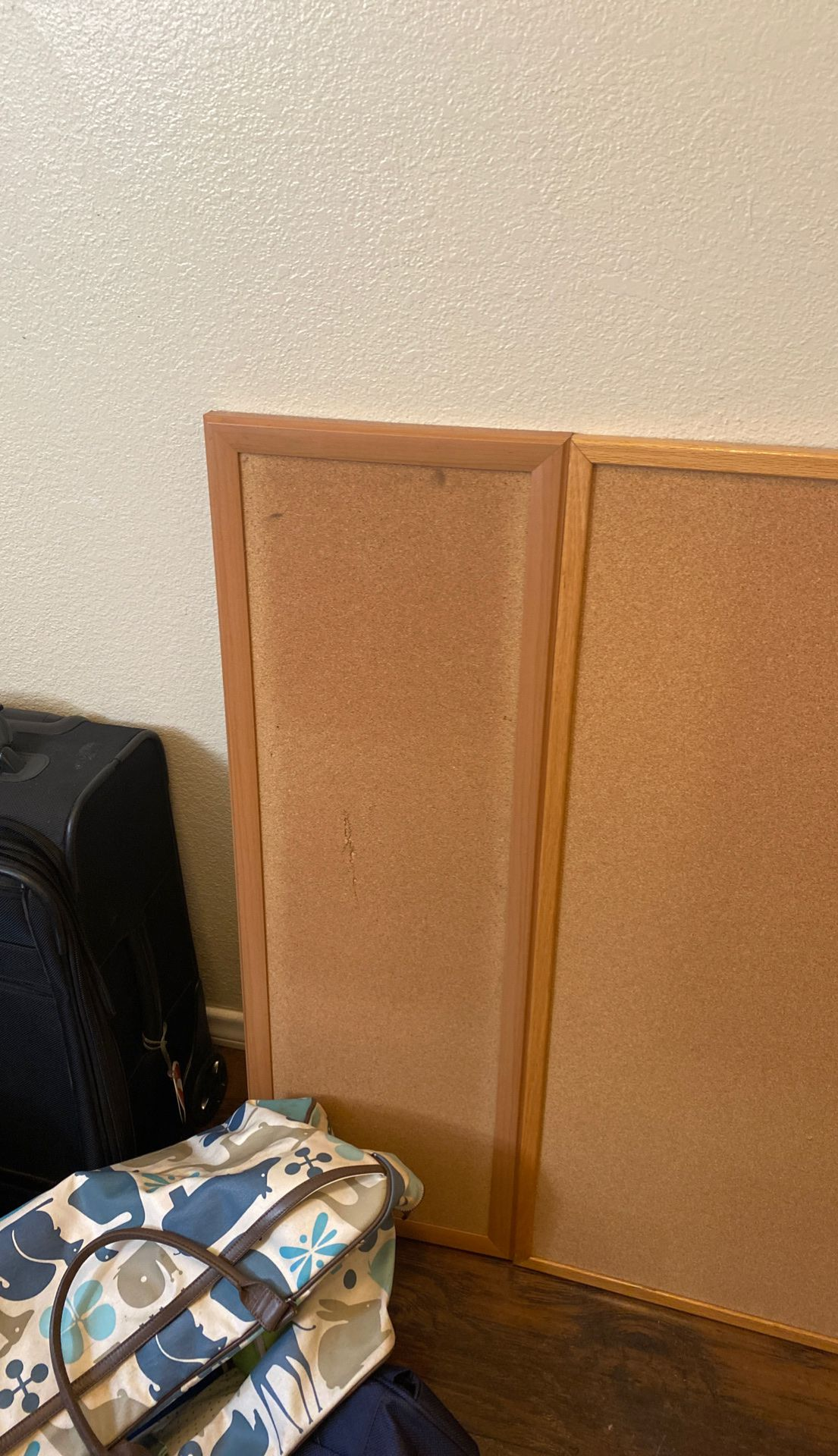 3 cork boards
