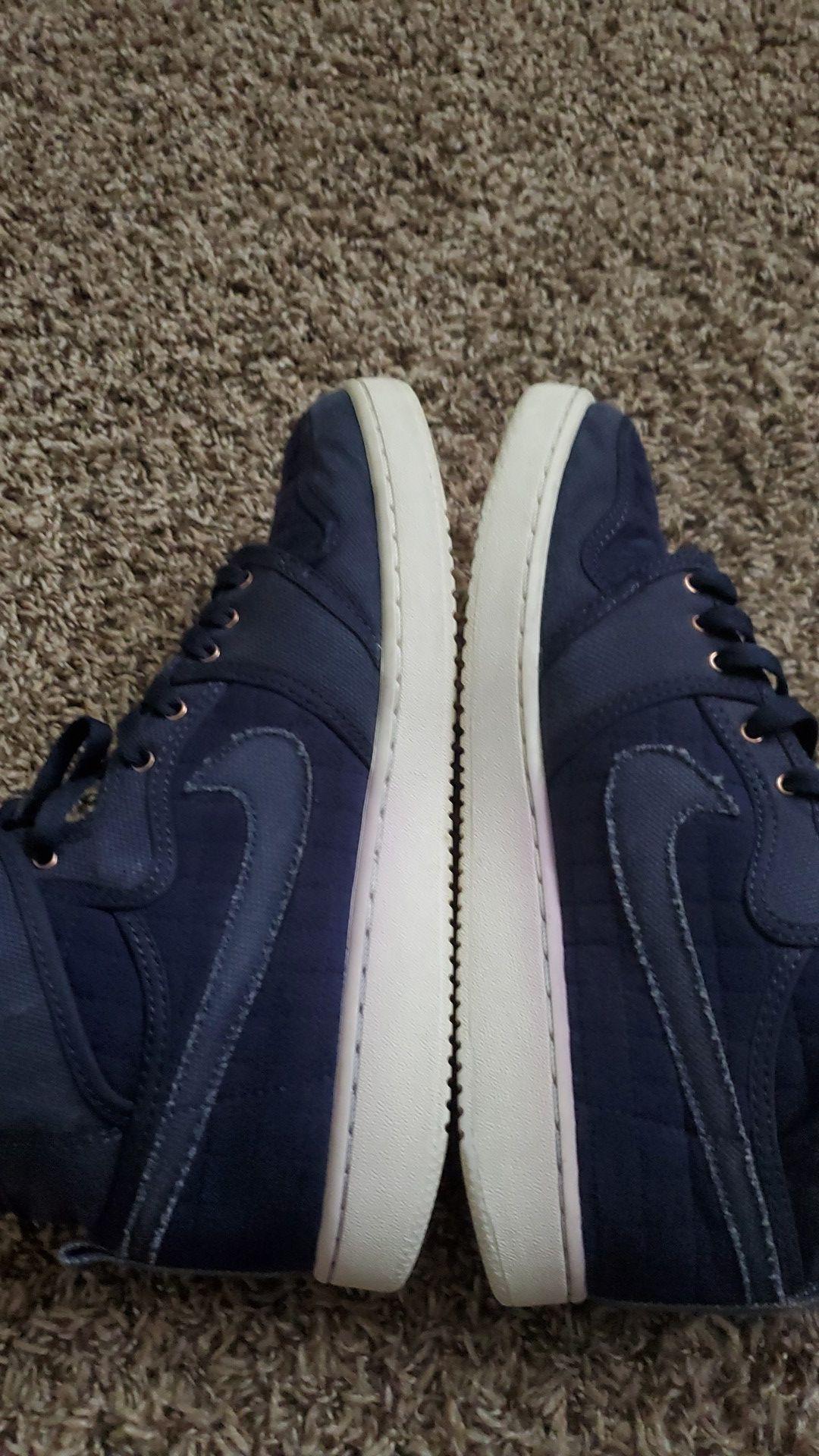 Jordan 1 size 9