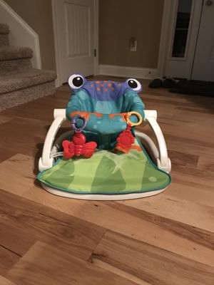Frog sit me up seat for Sale in Lebanon, TN