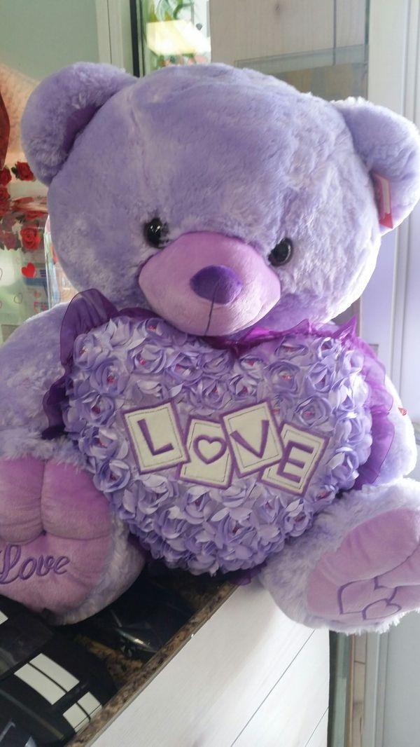 Valentine gifts, giant teddy bear