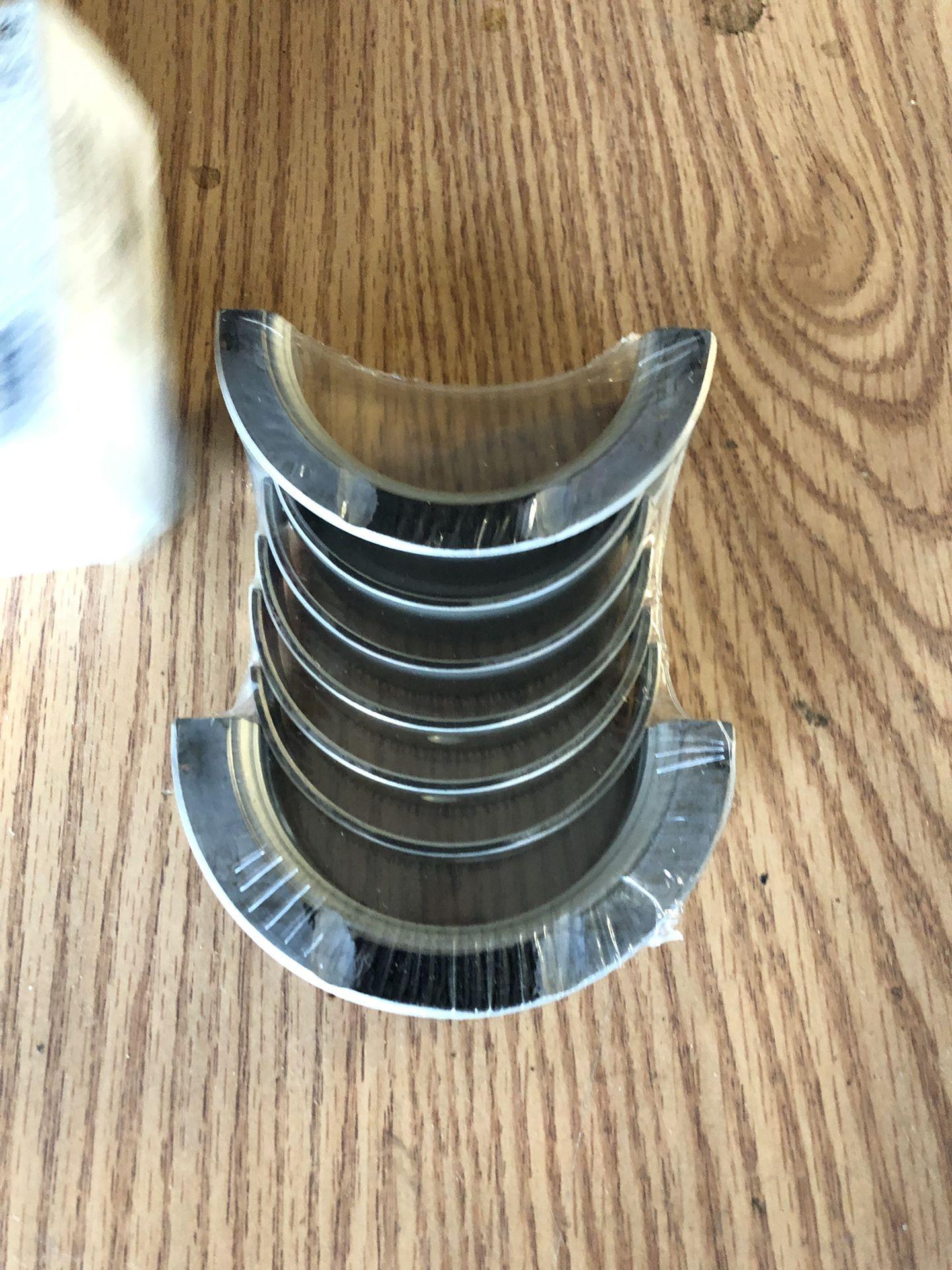 07 3.7L. Wrangler Bearing crank shafr