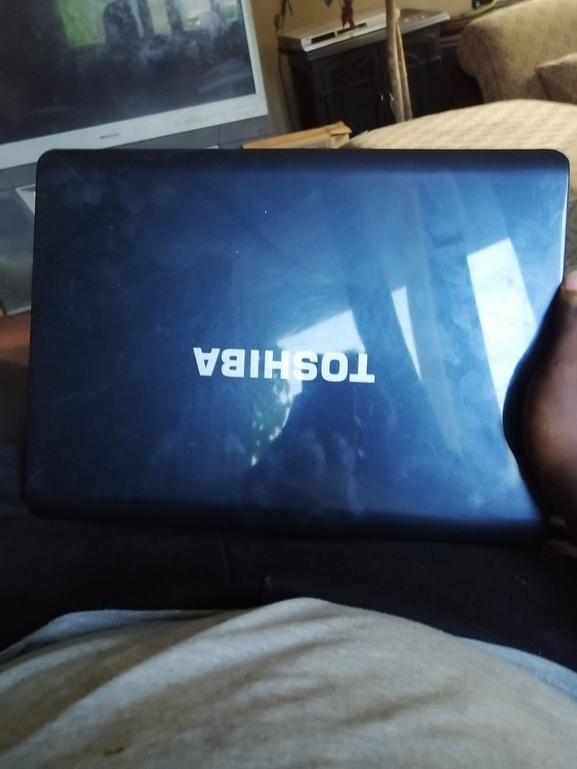 I don't know to much about the laptop I'm as 200 are best offer