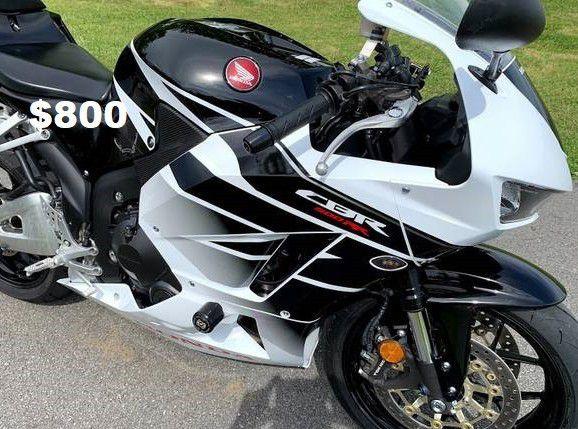 """🎊🎊(Asking 8OO)Clean_2015 Honda CBR 600RR""""Original owner❣❣"""