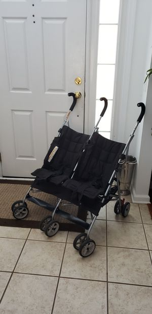 Double baby stroller for Sale in Charlotte, NC