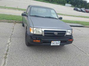 Toyota Tacoma año 1998 estándar con 214 millas for Sale in Woodbridge, VA