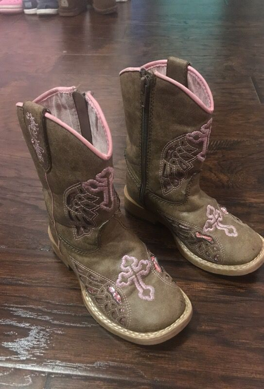 e3a573c55b1 Girls cowboy boots western size 8 pink and brown for Sale in Houston, TX -  OfferUp