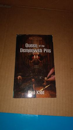 Queen of the Demonweb Pits Paperback Thumbnail