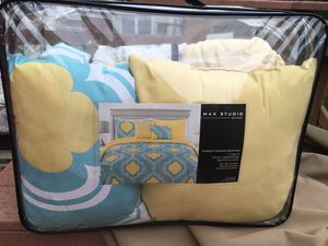 Twin Comforter set, pillow shams, decorative pillows and 2 sets of twin sheets for Sale in Germantown, MD