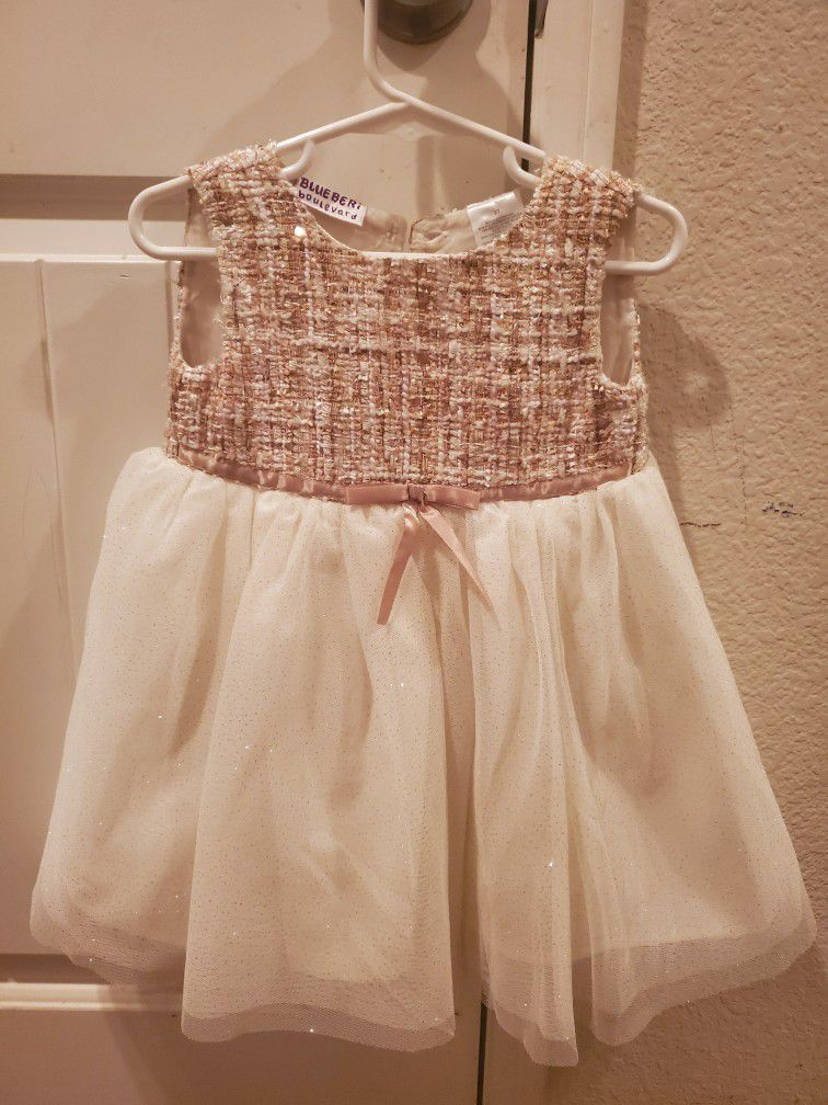 50 PIECES GIRL'S 18 MONTH - 2T CLOTHES