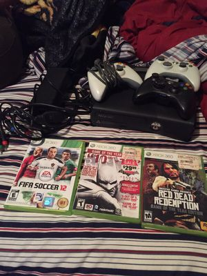 XBOX 360 (comes with everything in pic) for Sale in New York, NY