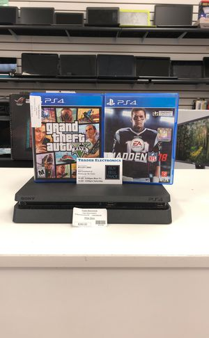 PlayStation 4 slim 500gb bundle for Sale in Pittsburgh, PA