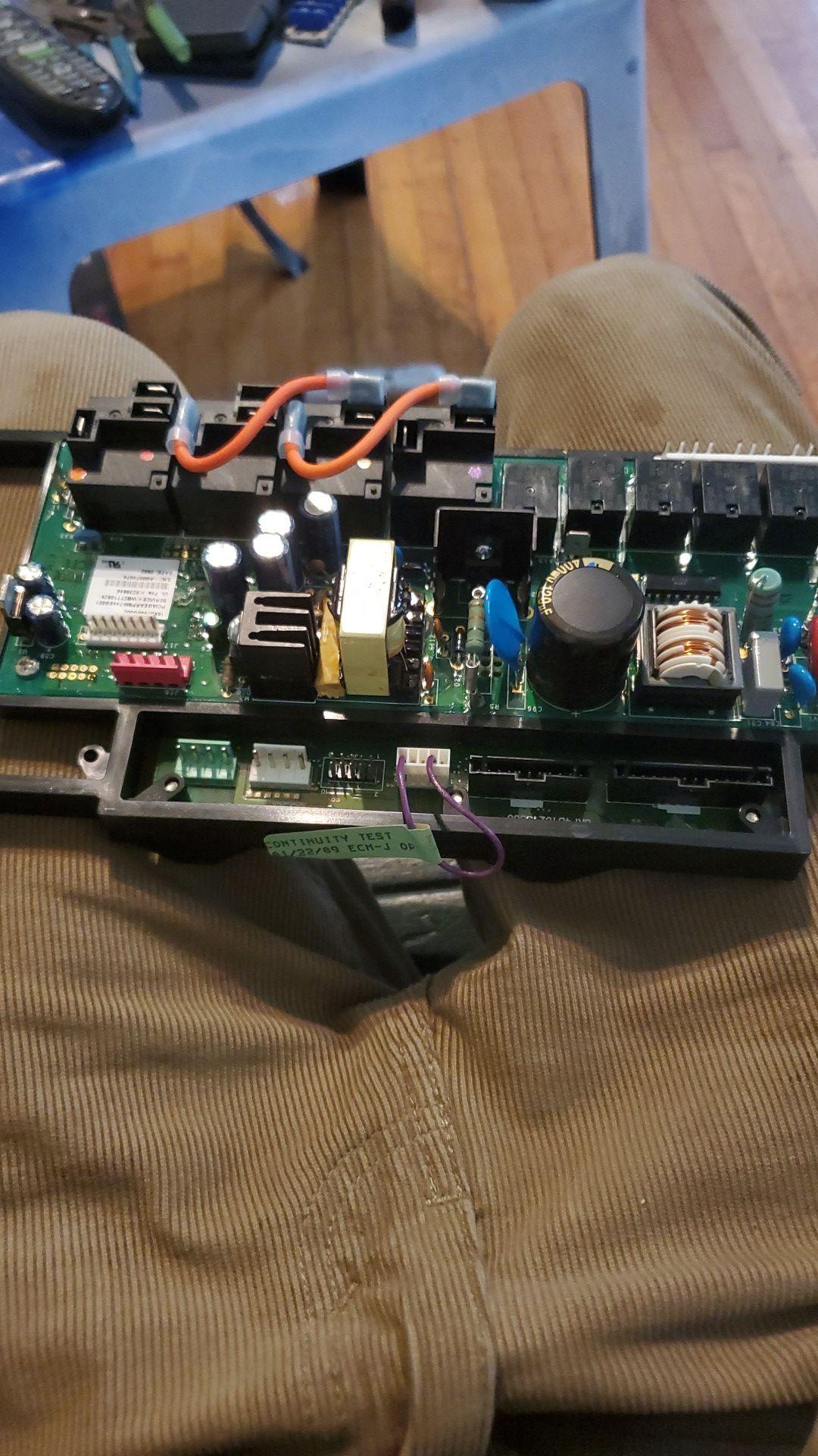 ERC/Lower Oven Relay Board WBT27T10972