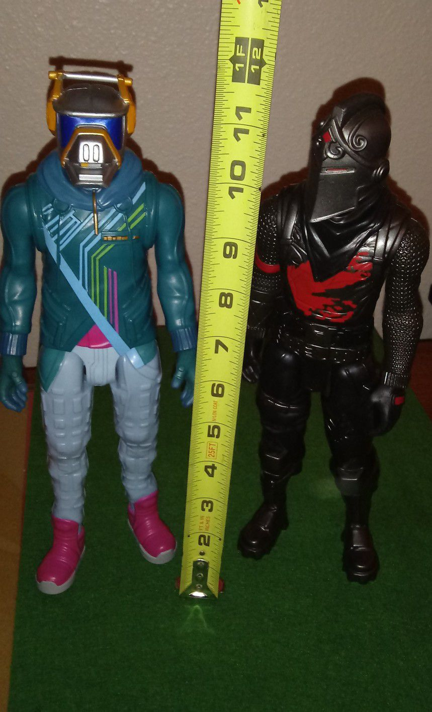 Like new Fortnite action Figures And Nerf Gun